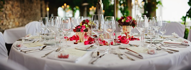 dining table setting for wedding reception